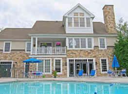 Graham Hill Apartments - Mechanicsburg
