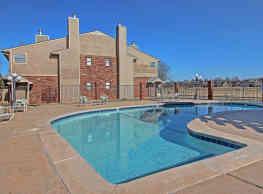 Spring Hollow Condominiums - Oklahoma City