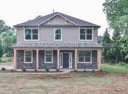 1338 Armstrong Rd - Belmont