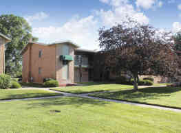 Plymouth House/Plymouth Manor Apartments - Plymouth