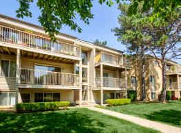 Brookdale Apartments - South Lyon