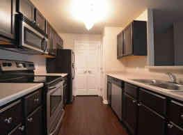 Auburn Hill Apartments - Indianapolis