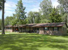 Whispering Pines Apartments - Pinconning