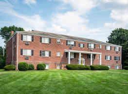 Sweetbriar Apartments - Lancaster