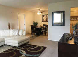 Tamarac Apartments - Willoughby