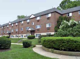 Oakwood Apartments - Upper Darby