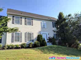 Beautiful & Spacious SFH In Charming, Quiet... - Myersville