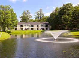 Twin Lakes Apartments - Clifton Park