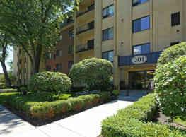 Cook Apartments at Libertyville - Libertyville