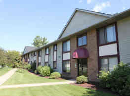 Ravenna Woods Apartments - Twinsburg