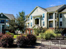 Independence Place Apartments - Fayetteville