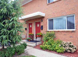 Alpine Court Apartments & Townhomes - Stratford