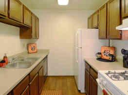 Pennbrooke Apartments - Bloomington