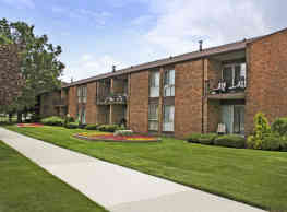 Parkview Village Apartments - Warren