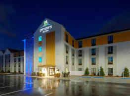Uptown Suites- Concord - Concord