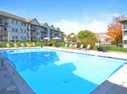 Valley Stream Village Apartments - Newark