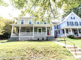6 br, 3.5 bath House - 1265 Monroe St NE - Washington