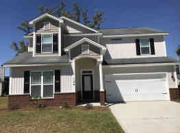 This 5 bedroom 3.5 bath home has 2,928 square feet - Pooler