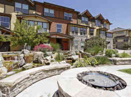 Lake Vista Luxury Apartments - Loveland