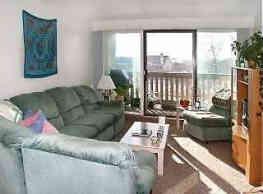 Oakwood Apartments - Ames