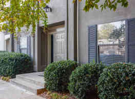 Northern Pines Apartments - Clarkston