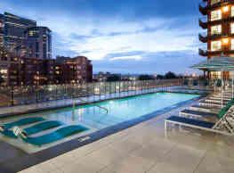 Radius Uptown Apartments - Denver