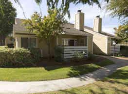 Willow Ridge Apartments - Clovis