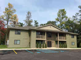 Erie Woods Luxury Apartment Homes - Derby