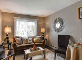 Lyn Lake Apartments - Minneapolis