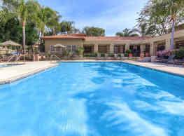 Villas Antonio Apartment Homes - Las Flores
