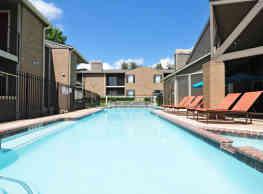 Deerwood Apartments - Tyler