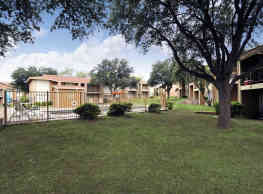 Plaza Square Apartments - San Angelo