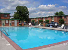 Town and Campus Apartments - Springfield