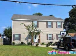 Stunning Home! - Chesapeake
