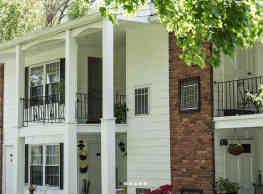 Lamplight Village Apartments - Monroe