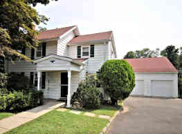 House for Rent - Eastchester