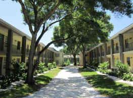 Fernwood Grove Garden Apartments - Tampa