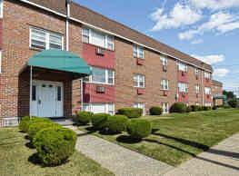 Oak Ridge Apartments - Runnemede
