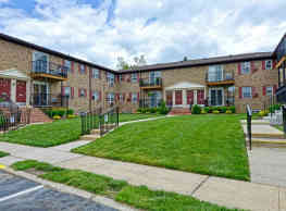Parkside Court Apartments - Ewing