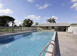 Newton Woods & Colony Oaks Apartments - Haverhill