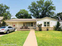3 br, 2 bath House - 3512 25th Street - Lubbock