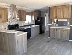 Modern Kitchen w/ Matching Appliances!