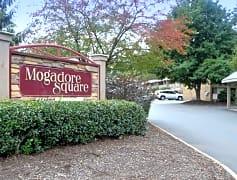 Mogadore Square Entry