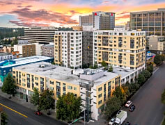Modern Downtown Bellevue living with the features and amenities you expect