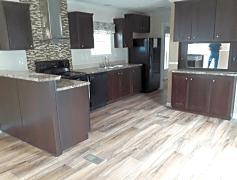 Beautiful kitchen w/ breakfast bar and matching appliances