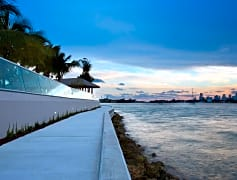 Take a stroll on the baywalk along the Biscayne Bay