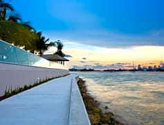 Take a stroll along the baywalk on Biscayne Bay