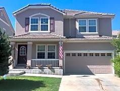 Beautiful large stucco home in desirable area