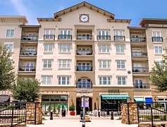 ENJOY LUXURY SHOPPING & DINING @ THE LOFTS AT WATTERS CREEK!