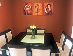 House_dining room.jpg